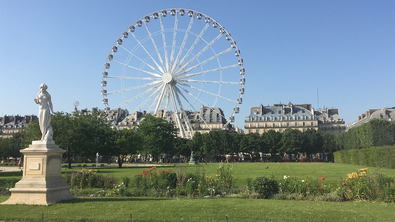 Bracing the heat to enjoy the view at Les Jardins de Tuileries