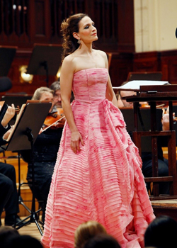 Kate Lindsey performing in Prague with the Czech National Symphony Orchestra