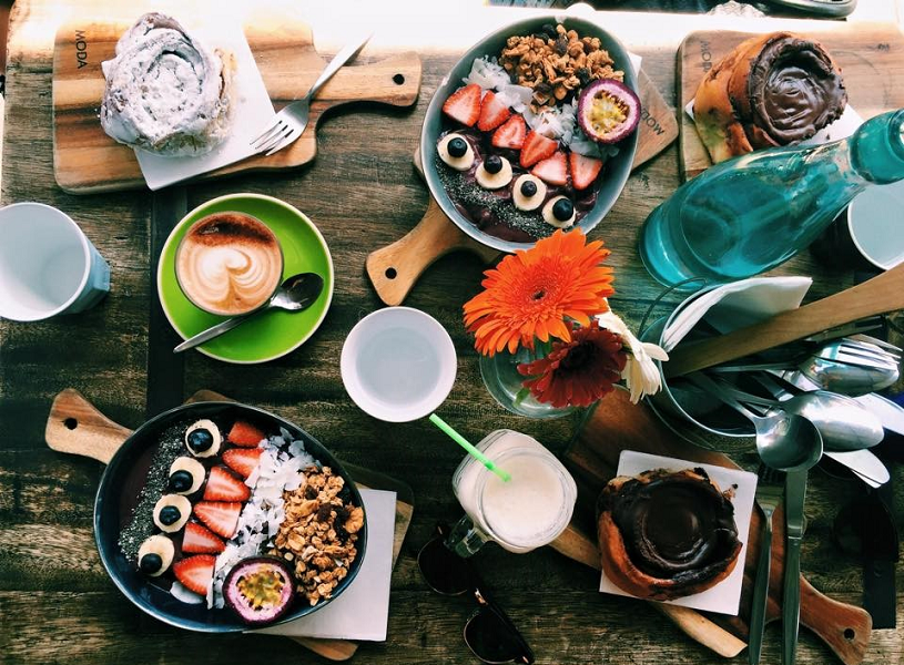 Acai bowl, cronuts, and coffee on study abroad in Australia