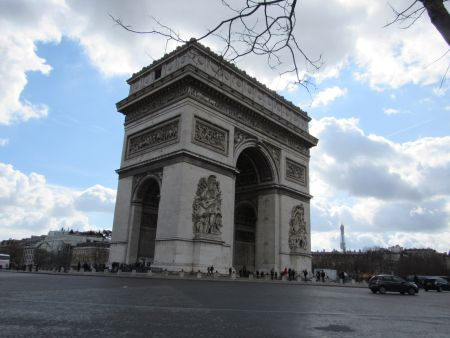 "As a traveler you ""have to"" see the Arc d' Triomphe."