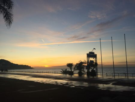 Sunrise along the Promenade Des Anglais in Nice