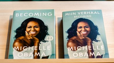 "English and Dutch version of ""Becoming"" by Michelle Obama, side by side."