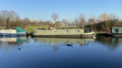 Houseboats along the canal by Mile End Park