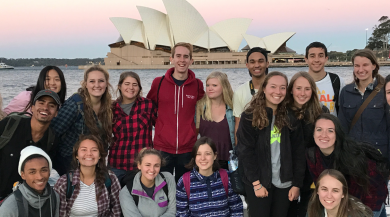 group of sydney study abroad students in front of the opera house
