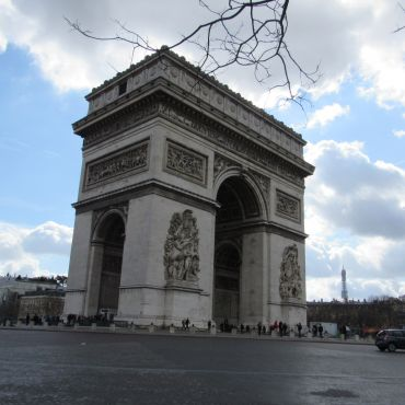 """As a traveler you """"have to"""" see the Arc d' Triomphe."""