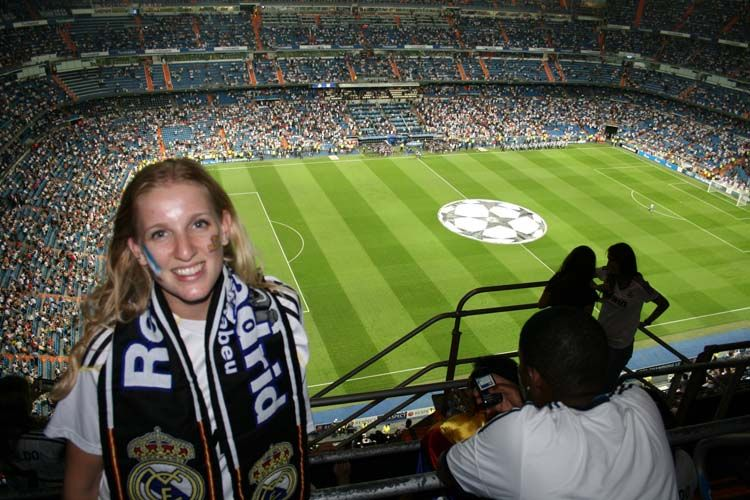Student at a Madrid futbol game