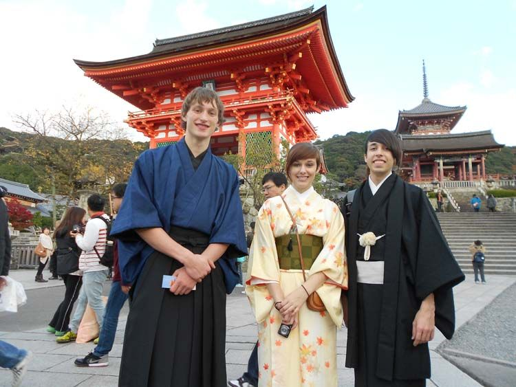 Students in front of Kiyomizu Temple in Kyoto