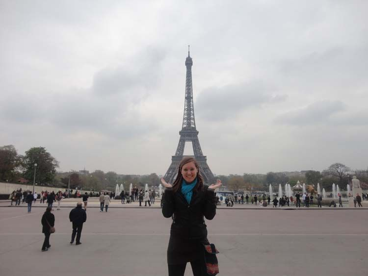 Student in front of the Eiffel Tower