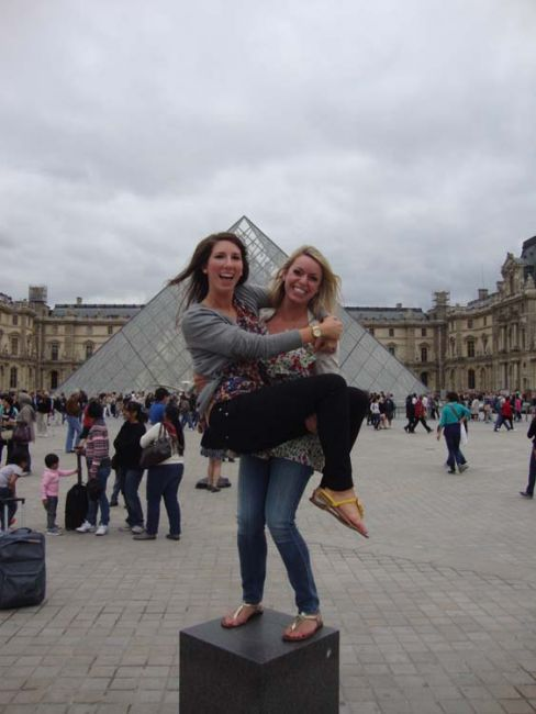 Students in front of the Louvre