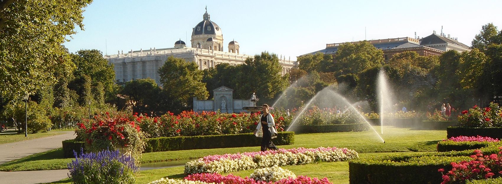 Vienna study abroad student photo of the Schönbrunn Palace and its garden