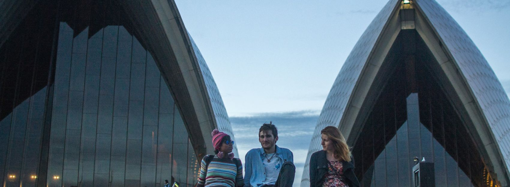 Students in front of the Sydney Opera House