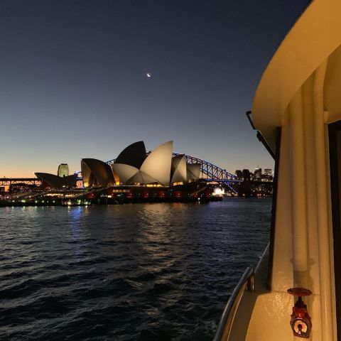 Welcome IESAbroad SYDNEY Interns. A VIVID festival cruise is the best way to get to know our fine city #iesabroadsydney #iesinternships #howgreatissydney #vividfestival
