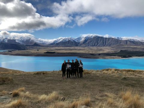 Te Wai Pounamu is the Māori name for the South Island of New Zealand. It means The Greenstone Waters. Not because of the magnificent colours of the lakes and rivers but because it is where the precious stone pounamu (NZ greenstone) comes from. Study in Aotearoa - New Zealand and explore our spectacular landscapes!   @isabellegalko  #studyabroad #iesabroad #uoa #tewaipounamu #queenstown #aotearoa #newzealand