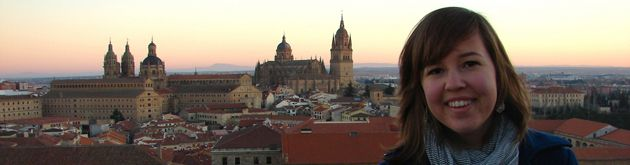 A student poses over the lookout of Salamanca