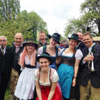 IES Abroad Group Photo at the Apfelblütenfest in Puch