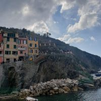 Colorful houses on the Riomaggiore cliff face